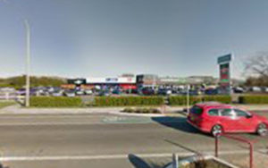 Post Office Blenheim - Springlands Post shop & Kiwibank in Blenheim.